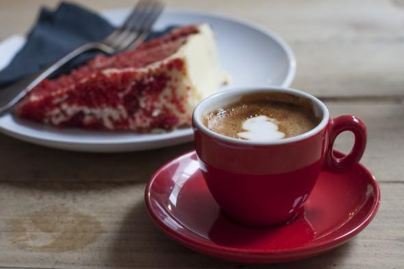 red velvet cake Kahaila café